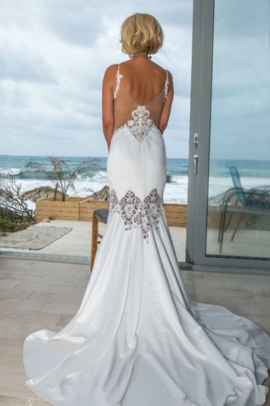 gamos-crete-weddings-bride-dress-bridal-white-seafront-wedding-blonde-akky-roland