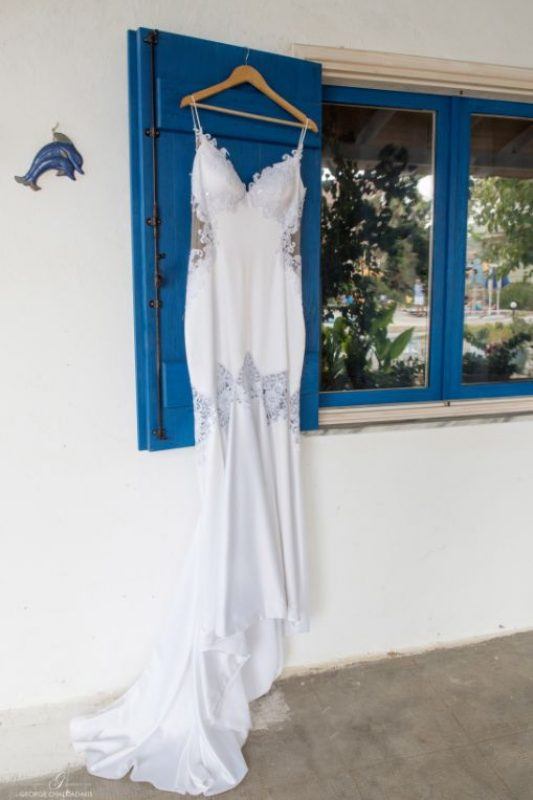gamos-crete-weddings-white-brides-dress-akky-roland